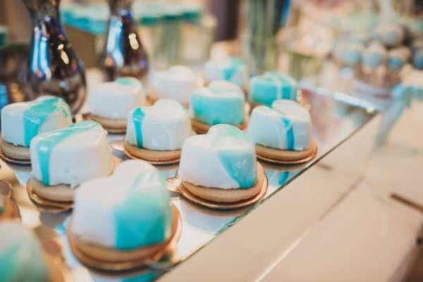 sweet table; cakes; torte; solta; maslinica; wedding in croatia; island wedding; heirten in kroatien; heiraten auf insel; wedding planner croatia; hochzeitsplaner kroatien; marrytale