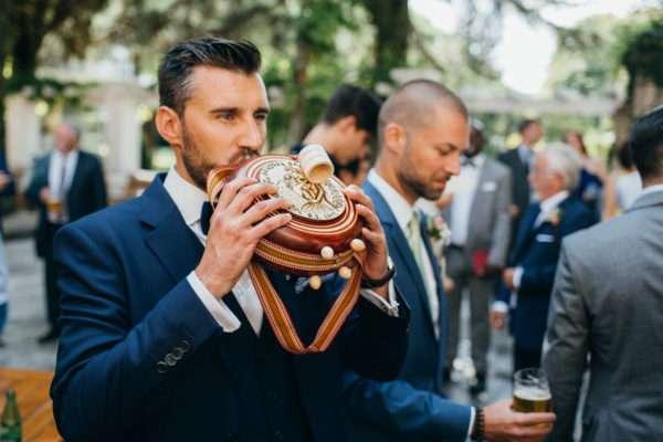 wedding planner croatia; hochzeitsplaner kroatien; marrytale; groom; drinking; wedding tradition; hochzeit tradition; heiraten in kroatien; destination wedding croatia