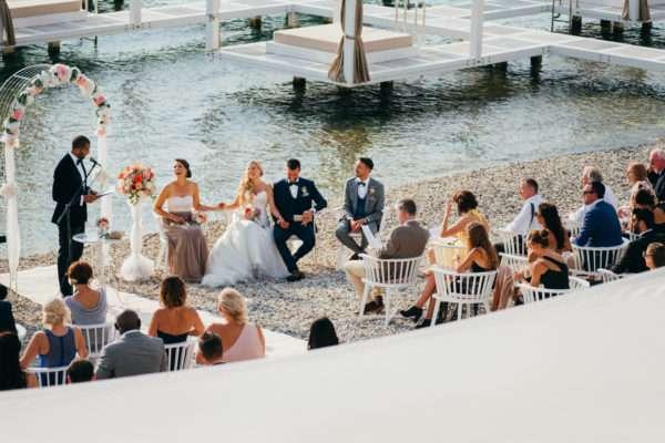 trauung; ceremony; brautpaar; bridal couple; bride; groom; wedding dress; hochzeit in kroatien; heiraten in kroatien; wedding party; wedding planner croatia; marrytale; sunset: beach wedding; hochzeit am strand; wedding