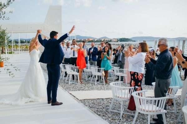 brautpaar; bridal couple; braut; braeutigam; wedding dress; hochzeit in kroatien; heiraten in kroatien; wedding party; wedding planner croatia; marrytale; sunset: beach wedding; hochzeit am strand; trauung; ceremony; zeremonie