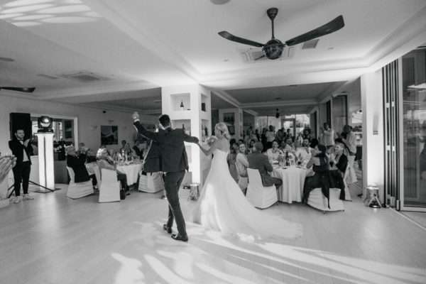 brautpaar; bridal couple; bride; groom; wedding dress; hochzeit in kroatien; heiraten in kroatien; wedding party; wedding planner croatia; marrytale
