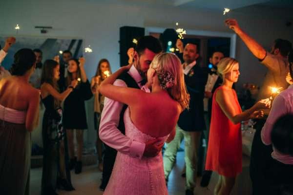 heiraten in kroatien; dance; tanzen; first dance; bridal couple; bratpaar; hochzeitsplaner kroatien; wedding planner croatia; wedding planner zadar; hochzeitsplaner zadar; marrytale
