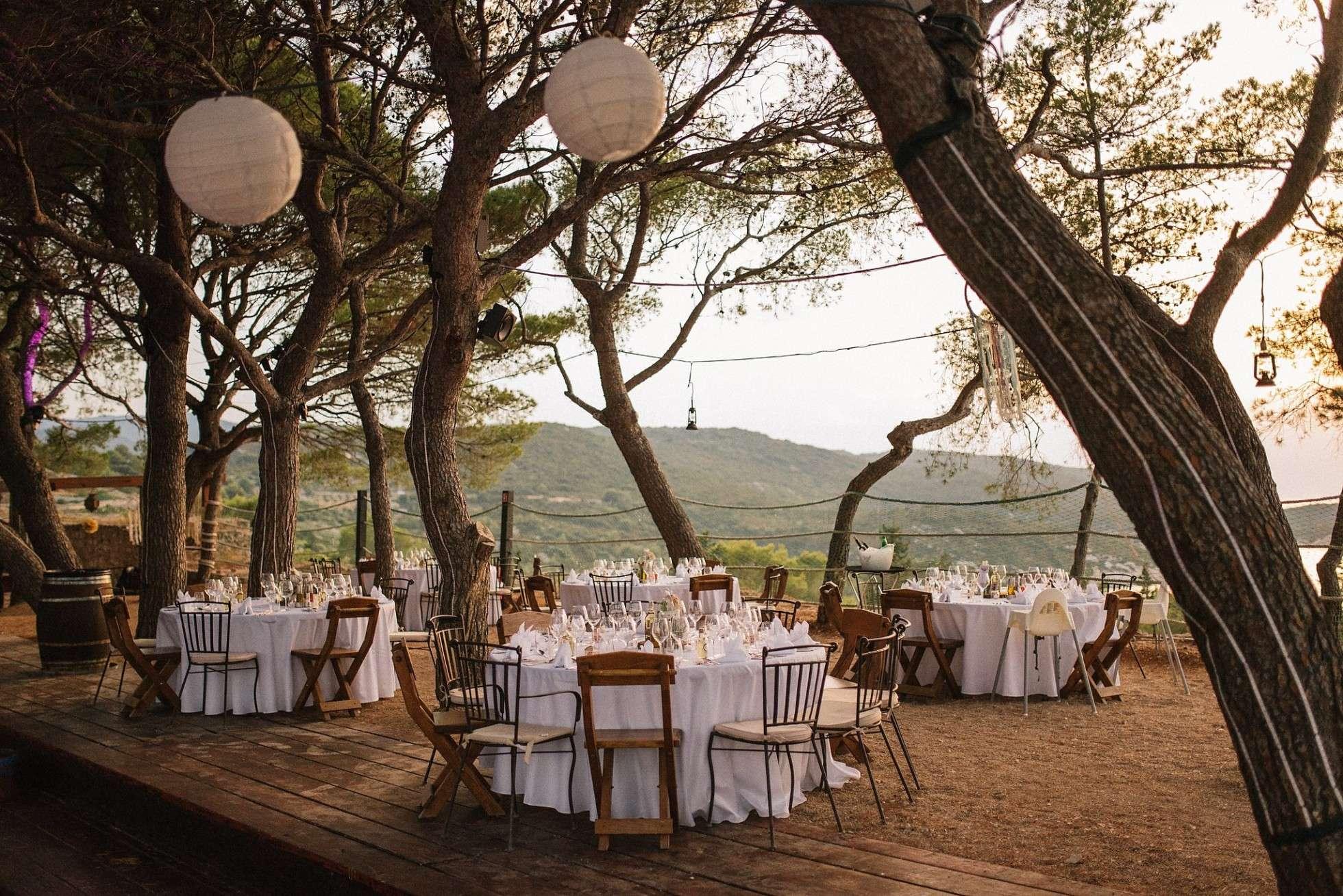 Vis wedding tables